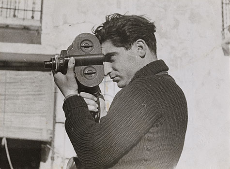 Robert Capa pris en photo par Gerda Tao
